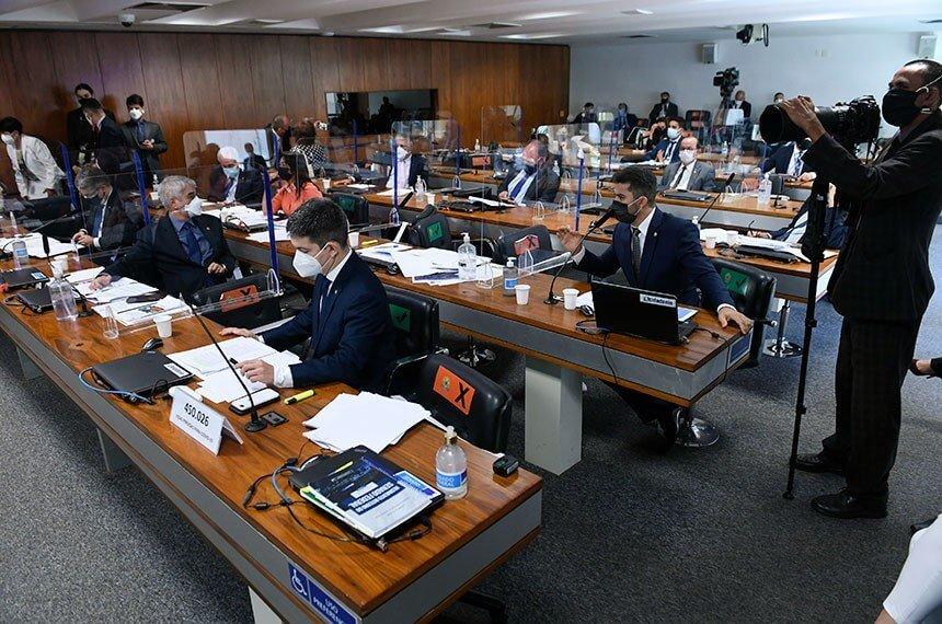 CPI da Pandemia aprova quebra de sigilo telemático de ex-ministros de Bolsonaro
