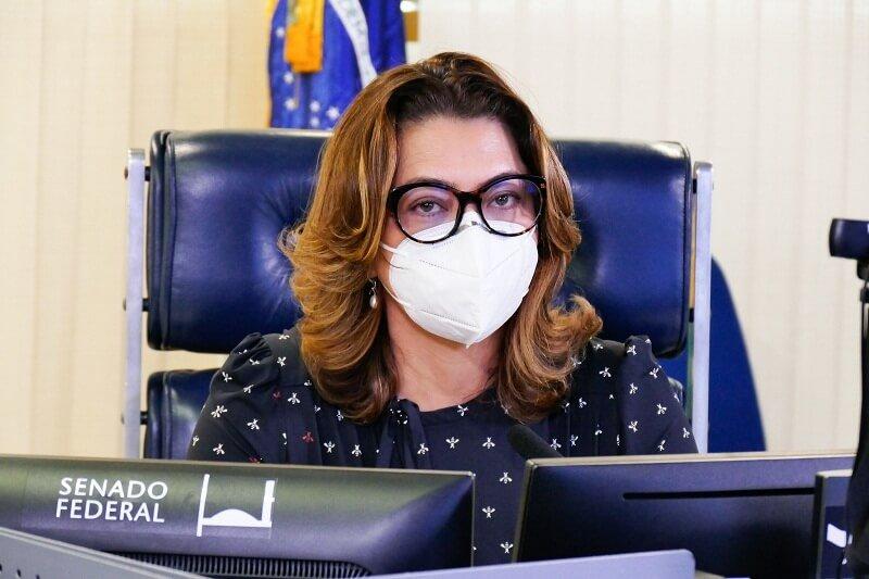 Leila Barros sai do PSB e entra no Cidadania