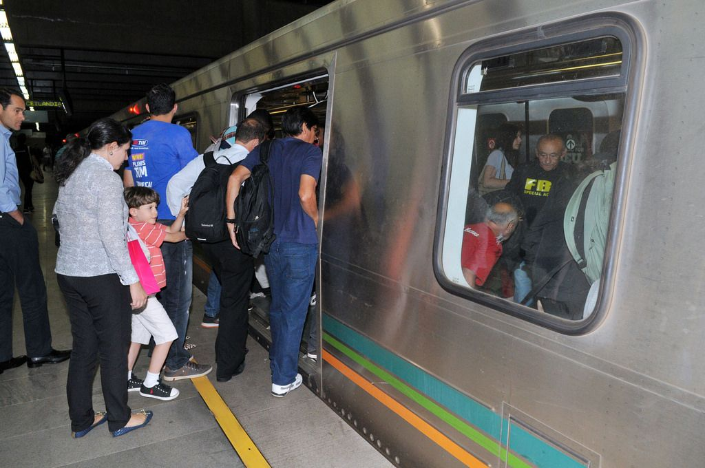 TCDF determina medidas para evitar aglomeração no ônibus e no metrô