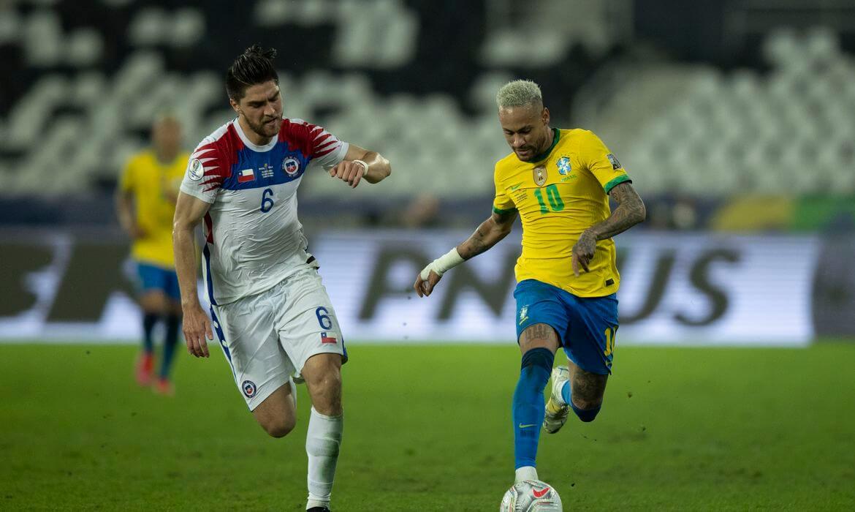 Brasil enfrenta Chile pelas Eliminatórias da Copa